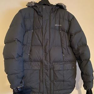 Men's Large Columbia Puffy jacket.